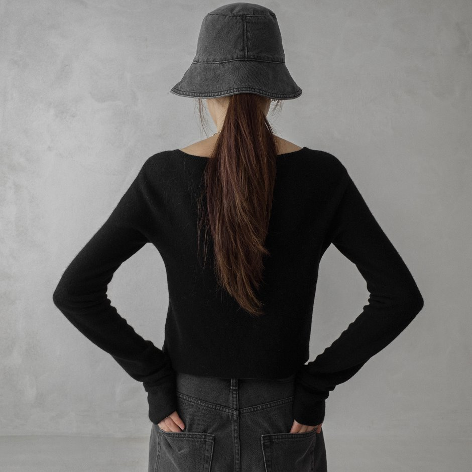 River black bucket hat