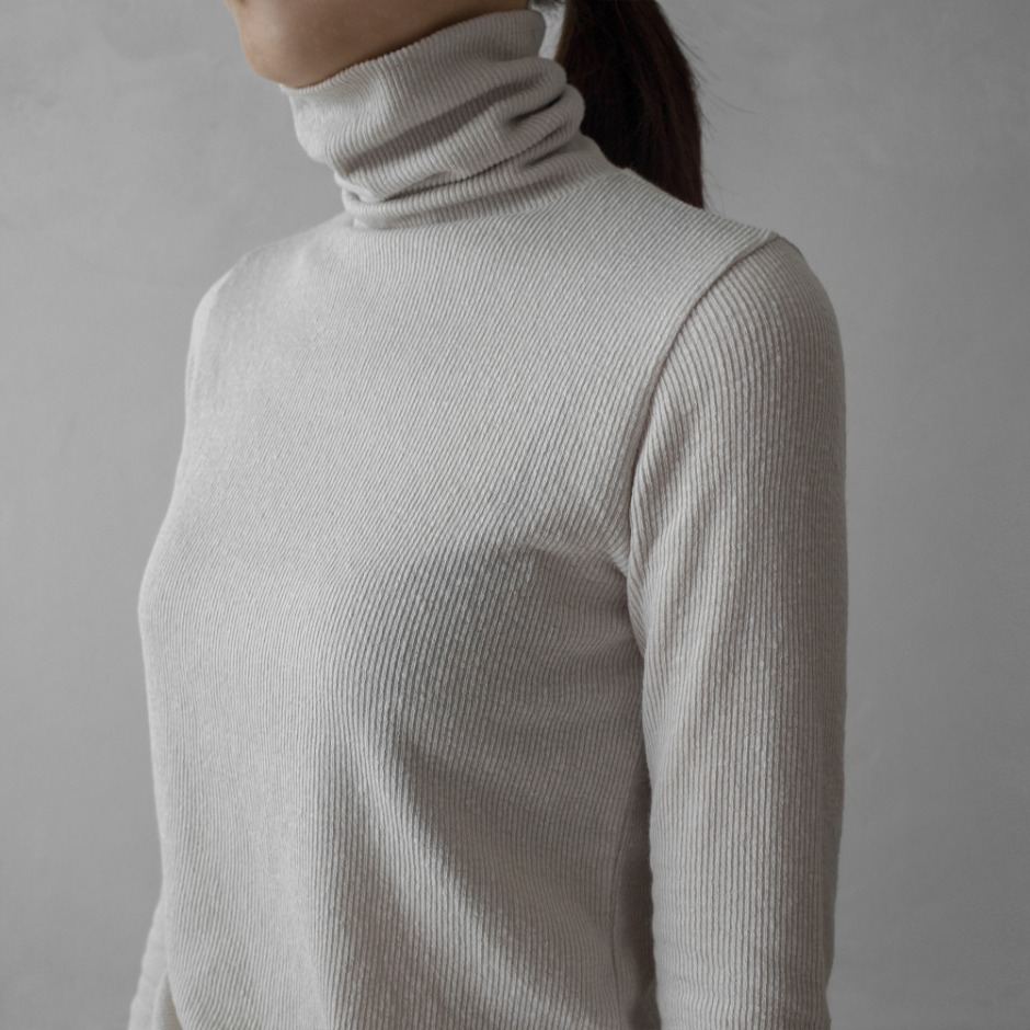 Echo high neck t
