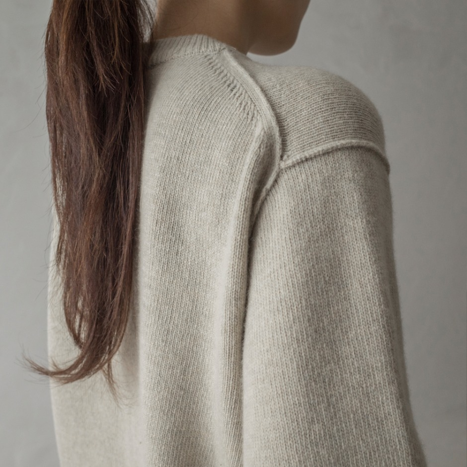 Line point pullover